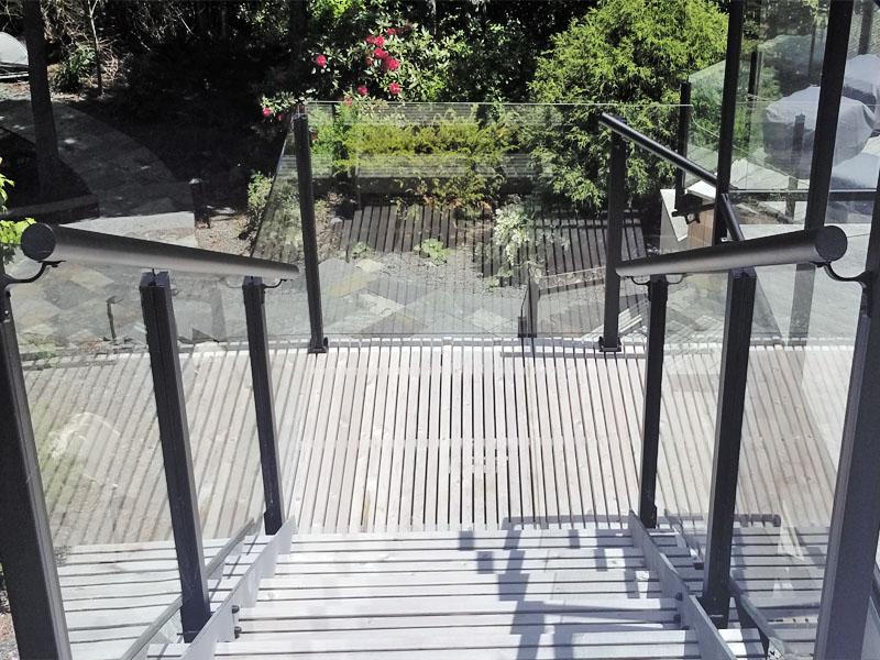 glass railing hrm
